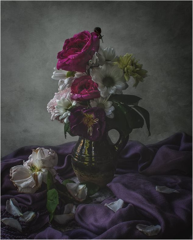 The Year that Stood Still: Instagram's Non-Fiction Still Life Photography Movement